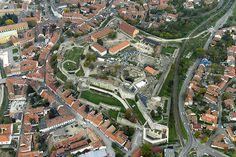 Egri vár légi fotó - Eger – Wikipédia Hungary, City Photo, Places, Lugares