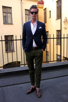 Mens Fashion Smart – The World of Mens Fashion Gq Style, Looks Style, Smart Casual Menswear, Business Casual Men, Sharp Dressed Man, Mens Fashion, Fashion Outfits, Gentleman Style, Green Fashion