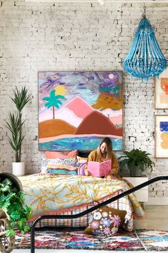 JUMBLED is an eclectic mix of all things gorgeous and wonderful for your home. Chinoiserie, Living Room Decor, Bedroom Decor, Bedroom Ideas, Deco Cool, Greenhouse Interiors, Decor Scandinavian, Interior Exterior, My New Room
