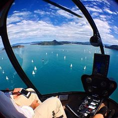 Commute over the Whitsunday Islands = HELLISH. | This Helicopter Pilot Has The Worst Job In The World