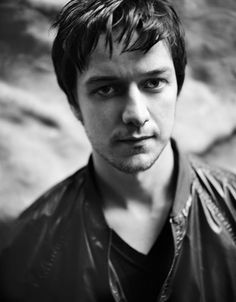 "Wow, I just can't even- no words, just- James McAvoy, everyone. Loved him in ""Becoming Jane"" and ""X Men, First Class"". James Mcavoy Interview, The Last Station, Charles Xavier, Scottish Actors, Actor James, Cultura Pop, Michael Fassbender, Attractive Men, Man Crush"