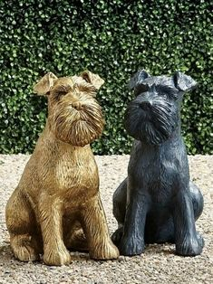Crafted of durable aluminum, our Dog Sculptures are a great addition to any dog lover's indoor or outdoor decor-either solo or paired with one of our other adorable canine statues.