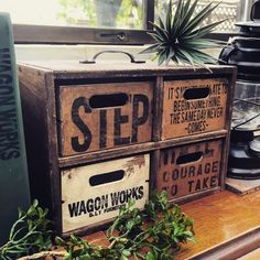 Furniture With Free Delivery Decoupage Furniture, Rustic Furniture, Vintage Wood Crates, Diy Party Decorations, Wood Boxes, Wood Design, Diy Woodworking, Diy And Crafts, Decorative Boxes