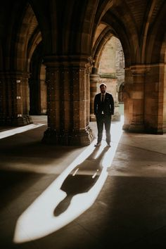 A sharp, glamorous look in this Scotland destination wedding | Image by Eric-Rene Penoy Wedding Photography