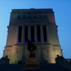Indianapolis - War Memorial, a must see downtown