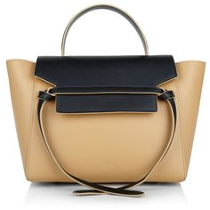 Luxury and just perfect! The simple but super elegant design of the 'Celine Mini Belt Bag' is one of the handbags that should not missed in your wardrobe. No matter if it is summer or winter, last or new season – you will wear this fashionable classic every day! Fashionette.de