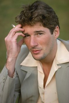 Richard Gere, another gorgeous man, ;-)