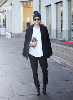 Wearing boots from  Stockholm Design Group, trousers from Lindex, men's shirt from Zara, coat from Gina Tricot, bag from Hipsters for Sisters, beanie from Bruuns Bazaar and sunglasses from Ray-Ban