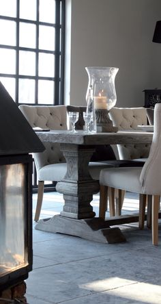 Dining Room Table With Upholstered Chairs Dining Room Design, Dining Room Table, Table And Chairs, Home And Deco, Shabby Vintage, Upholstered Chairs, Beautiful Interiors, Interiores Design, Home And Living