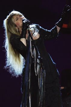 Dedicated to Stevie Nicks Stevie Nicks Lindsey Buckingham, Buckingham Nicks, Look Vintage, Vintage Ladies, Female Rock Stars, Members Of Fleetwood Mac, Stephanie Lynn, Stevie Nicks Fleetwood Mac, Thing 1