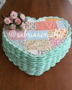 Crochet Border Patterns, Crochet Table Runner Pattern, Crochet Placemats, Crochet Designs, Fabric Crafts, Sewing Crafts, Crochet Jar Covers, Crochet Projects, Sewing Projects