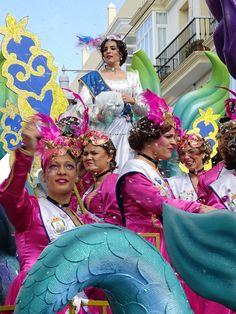Gran Cabalgata del Carnaval que recorrió la calle Real al mediodía del 14 de febrero de 2016 con diez carrozas y por vez primera una de ellas, la titulada 'Peter Pan', adaptada a personas con movilidad reducida.