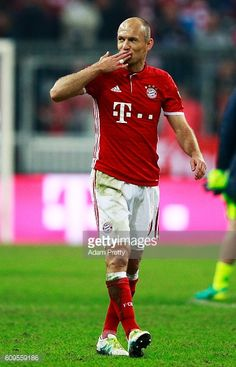 Arjen Robben of Bayern Munich celebrates victory after the Bundesliga match between Bayern Muenchen and Hertha BSC at Allianz Arena on September 21...