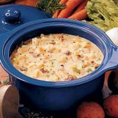 This is amazing! Probably the best cheeseburger chowder/soup I've had.JRR: Very easy to make! Similar to Beer Cheese Soup, without the beer. Chowder Soup, Chowder Recipes, Soup Recipes, Corn Chowder, Crockpot Recipes, Cooking Recipes, Crock Pot Cooking, Oven Cooking, Soup And Sandwich