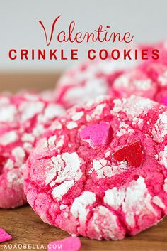 Valentine Crinkle Cookies I made some Grinch Crinkle Cookies before Christmas so I decided that I would change the recipe just slightly and make them for Valentine's Day. Valentine Desserts, Valentines Day Cookies, Valentines Treats Easy, Valentines Baking, Holiday Desserts, Holiday Baking, Holiday Treats, Birthday Cookies, Valentine Cookie Recipes