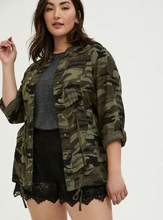 Camo Denim Jacket, Collarless Denim Jacket, Plus Size Coats, Yellow Lace, Curvy Models, Roll Up Sleeves, Summer Outfits, Summer Clothes, Summer Clothing