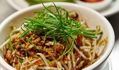 Ingredients Serves 17 4 INGREDIENTS 1 small carrot, peeled 1 tablespoon light soy sauce 4 small iceberg lettuce leaves 1 teaspoon white sugar 2 tablespoons peanut oil 1 teaspoon oyster sauce 1 tablespoon ginger julienne 1/4 teaspoon sesame oil 1 garlic clove, finely diced 1 stick of celery, finely diced 200g (6 1/2oz)