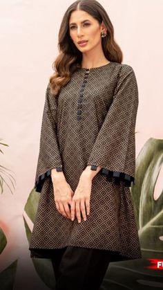 Fancy Dress Design, Stylish Dress Designs, Dress Neck Designs, Stylish Dresses For Girls, Nice Dresses, Casual Wear, Casual Outfits, Simple Pakistani Dresses, Pakistani Fashion Party Wear