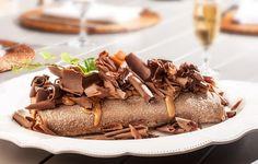 Rocambole de pão de mel com doce de leite e lascas de chocolate do Sweet Pimenta