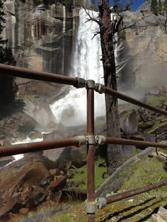 Keeping visitors to the National Park is an important priority, and pipe railing made with Kee Klamp allows people to get close to edge without the danger of a fall. Finding an outdoor railing system made with Kee Klamp in a location like Yosemite honors the railing system on a number of different points.