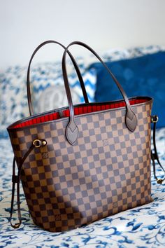 d8445c42b2503 Louis Vuitton Neverfull MM Bag (Damier print) I ve always been a cross