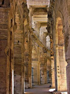 arènes d' Arles . Ancient Rome, Ancient History, Vacation Places, Vacation Spots, Belle France, Roman City, Overseas Travel, Beaux Villages, Countries To Visit