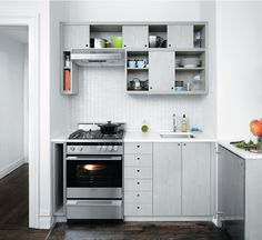 Small kitchen, from Dwell. love it!