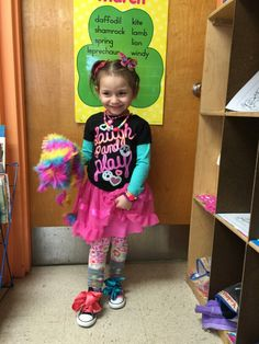Here is Wacky Wednesday Outfit Ideas for you. Wednesday Costume, Wednesday Outfit, Wacky Wednesday, Crazy Hair Days, Crazy Day, Dress Up Day, Outfit Of The Day, Crazy Outfits, Kids Outfits