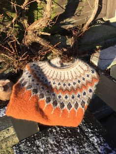 Norwegian Knitting, Nordic Style, Jumpers, Color Inspiration, Knits, Origami, Knit Crochet, Pullover, Sweaters