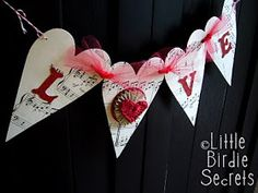 Little Birdie Secrets: blog party love garland