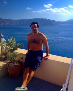 Easy like sunday morning #oia #santorini #greece #loves_greece #lonelyplanet #viaje #viagem #viaggio #travel #tbie #wanderlust by nachoc71