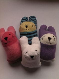 Miaou: Baby sock rabbit tutorial ... and giveaway!