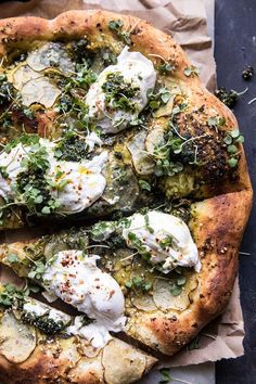 Potato and Burrata Pizza. - Pesto Potato and Burrata Pizza -Pesto Potato and Burrata Pizza. - Pesto Potato and Burrata Pizza - Red, yellow, orange and green tomatoes dot this colorful, crispy, and slightly cheesy savory pie. Pesto Pizza, Burrata Pizza, Pizza Pizza, Dough Pizza, Burrata Cheese, Pizza Food, Food Food, Flatbread Pizza, Goat Cheese