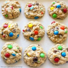 Monster Cookies are soft and filled with peanut butter, oats, chocolate chips, and M&Ms! The Best Monster Cookie Recipe, Monster Cookie Dough, Peanut Butter Sheet Cake, Peanut Butter Chips, Yummy Treats, Sweet Treats, Yummy Food, Tasty Snacks, Cookie Recipes