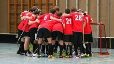 ŠIMURKA Miroslav - Floorball........               Klub : UHC Linz...........................               Tréner : Armin Raditschnig ........... Armin, Basketball Court, Linz