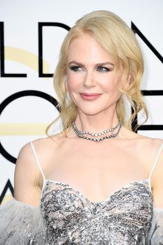 The mesmerising Nicole Kidman wearing the ethereal Rock Chick look that I created for her last night at Golden Globes. A goddess from another galaxy. Products used: The Uptown Girl Luxury palette, Rock Chick Luxury palette, Veruschka Mink & The Sofia eye liner, Filmstar Bronze And Glow, MoonBeach, Love Glow blusher, Pillowtalk lip liner, #HotLips lipstick in Kidman's Kiss, #Supermodel body & Scent Of A Dream.