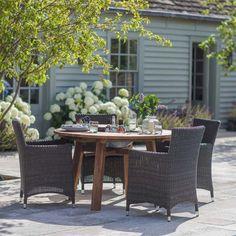 Table de jardin en teck recyclé St Mawes avec ouverture au centre : Decoclico