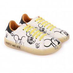 Glitter Heels, Children's Boutique, Star Designs, Platform Sneakers, Contemporary Fashion, Print Logo, Velcro Straps, 80s Fashion, Luxury Branding