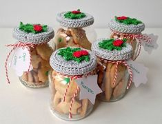 how cute are these crochet jar covers! via maRRose - CCC: Christmas cookie jar. - how cute are these crochet jar covers! via maRRose – CCC: Christmas cookie jars - Christmas Crochet Patterns, Holiday Crochet, Crochet Gifts, Crochet Christmas Gifts, Christmas Knitting, Handmade Christmas Decorations, Handmade Christmas Gifts, Holiday Gifts, Christmas Presents