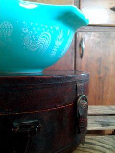 "Vintage Pyrex Cinderella Mixing Bowl ""Amish Butterprint"""