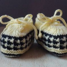 Chaussons bébé tricot façon mocassins 0/3 mois Mocassins, Baby Shoes, Etsy, Boutique, Vintage, Kids, Clothes, Fashion, Knitted Slippers