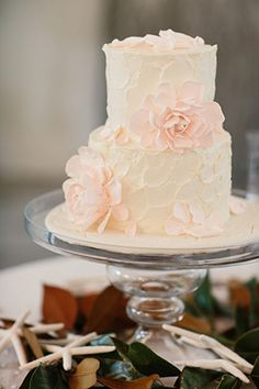 pink and white wedding cake. Photography by candicekphotography.com.
