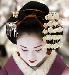 Baikasai 2014: maiko Ichimari san by Sam Ryan on Flickr