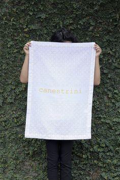 Pano de prato Canestrini Amarelo 100% algodão silkado a mão. http://www.ilcasalingo.com.br/pd-ee89f-pano-de-prato-canestrini-amarelo.html?ct=&p=1&s=1