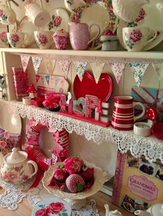 WoWzers! LOVE everything about this! RED! Heart Plate! Inspired! Sew a little love