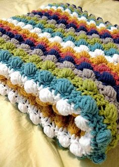 Bobble stitch blanket - I want to learn how to make this! Of course, I need to learn to crochet first. Bobble stitch blanket - I want to learn how to make this! Of course, I need to learn to crochet first. Crochet Motifs, Manta Crochet, Crochet Blanket Patterns, Knit Or Crochet, Learn To Crochet, Baby Blanket Crochet, Crochet Crafts, Yarn Crafts, Crochet Stitches