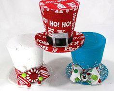 Estos sombreros de carácter, son creados por sueños de fiesta y son divertidas para una decoración única y como hojas de árbol. Navidad mágica de Mickey es un ajuste para cualquier agregar una diversión y un toque creativo a tus decoraciones navideñas. Sombreros vienen en tres tamaños diferentes. Los botones de este sombrero será blanco. 1. 5 mejor caber de 2ft o decorativos Mostrar la pieza. 2. 7 de mejor ajuste para un árbol de 4-6 pies 3. 9 de mejor ajuste para un 7 pies y un árbol más…