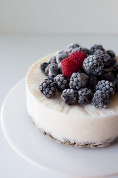 Yogurt Ice Cream Cake | Migalha Doce