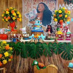 Festa Moana: 93 ideias para uma comemoração cheia de aventura Moana Birthday Party Theme, Incredibles Birthday Party, Moana Themed Party, Disney Princess Birthday Party, 18th Birthday Party, Happy 2nd Birthday, Birthday Crafts, Moana Party Decorations, Birthday Party Decorations
