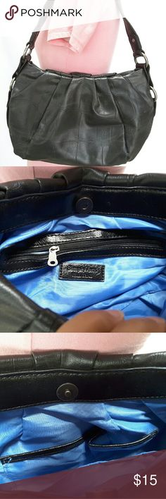"Vera Wang shoulder bag Simply Vera by Vera Wang black faux leather medium shoulder bag.   In wall zipper pocket and two multifunction slip pockets.   The faux leather is slightly worn, lining is in great condition and clean.   Length 14"" height 7"" width 4"" strap drop 10""  Pets and smoking free home. Vera Wang Bags Shoulder Bags"